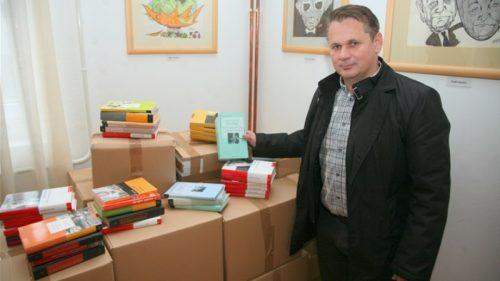 LokalnaHrvatska.hr Sveti Križ Začretje DVD Sveti Kriz Zacretje sakupio 1500 knjiga koje ce donirati vukovarskoj gradskoj knjiznici